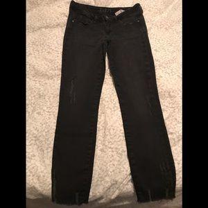 Zara basic black jeans with frayed hem in size 6